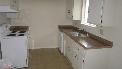steve baker, graeme grant, placerville realty, house for rent, home for rent, property manager, property management company, 3164 Turner Street - Placerville, New Kitchen with Dishwasher