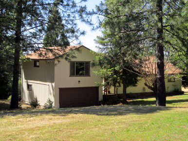 steve baker, graeme grant, placerville realty, house for rent, home for rent, property manager, property management company, 4670 Woodland Drive - Placerville, front of home
