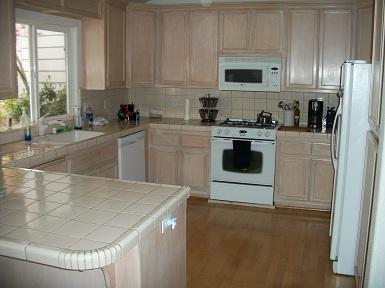 steve baker, graeme grant, placerville realty, house for rent, home for rent, property manager, property management company, 844 Estey Way, Placerville, kitchen